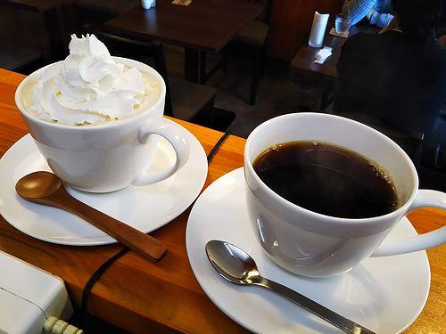 20190117草津温泉カフェ花栞(はなしおり)ウインナーコーヒー、ホットコーヒー1