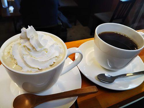 20190117草津温泉カフェ花栞(はなしおり)ウインナーコーヒー、ホットコーヒー2