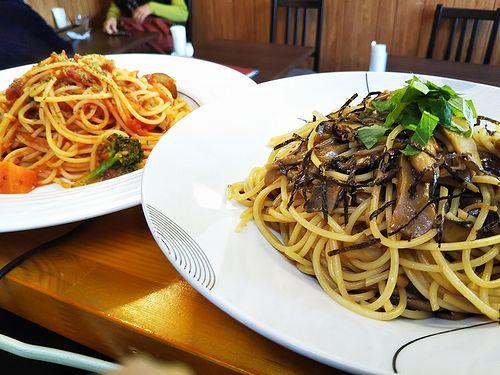 20190122草津温泉カフェ花栞(はなしおり)きのこの和風ペペロンチーノ、トマトソースのスパゲティ1