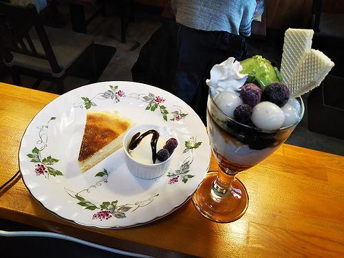 20190210草津温泉カフェ花栞(はなしおり)チーズケーキ、白玉抹茶パフェ