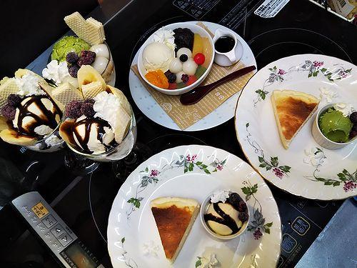 20190305草津温泉カフェ花栞(はなしおり)チーズケーキ、白玉クリームあんみつ、白玉抹茶パフェ、チョコバナナパフェ