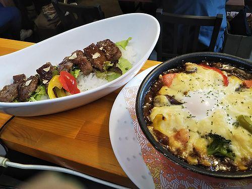20190329草津温泉カフェ花栞(はなしおり)がっつりステーキ丼、特製焼きカレー1