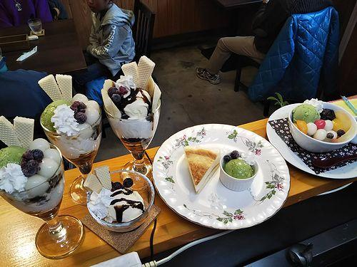 20190401草津温泉カフェ花栞(はなしおり)白玉クリームあんみつ、チーズケーキ、チョコバナナパフェ、白玉抹茶パフェ、バニラアイス