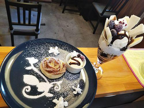 20190423草津温泉カフェ花栞(はなしおり)アップルパイ、チョコバナナパフェ