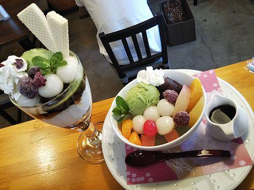 20190512草津温泉カフェ花栞(はなしおり)白玉抹茶パフェ、白玉クリームあんみつ