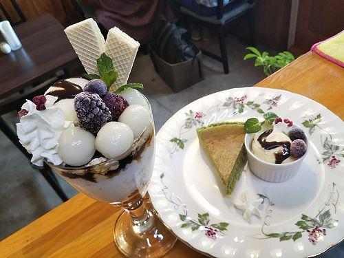 20190516草津温泉カフェ花栞(はなしおり)白玉パフェ、抹茶チーズケーキ