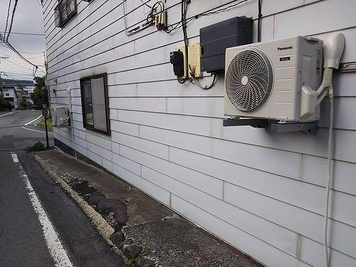 20190627草津温泉カフェ・民泊花栞(はなしおり)エアコン設置 (3)