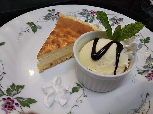 20190710草津温泉カフェ花栞(はなしおり)チーズケーキ