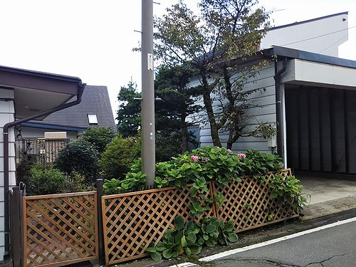 20190906草津温泉民泊花栞(はなしおり)電柱移設願い (1)