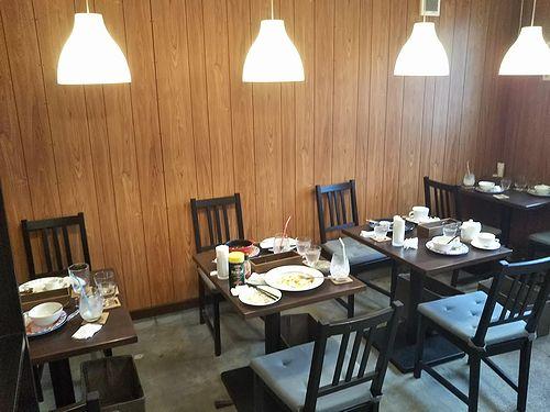 20191027草津温泉カフェ花栞(はなしおり)食器だらけ