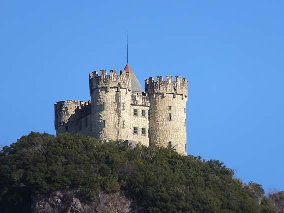 のいち動物公園から見える謎のお城
