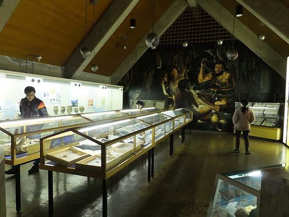 龍河洞博物館二階
