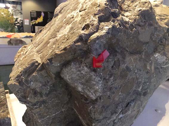 日本最古の石、は、ここ?