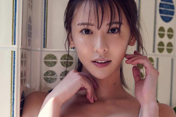 奈月セナ 極上ボディのGカップ長身美女!