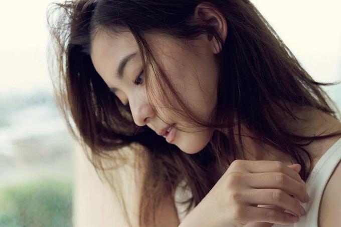 朝比奈彩 女優として培った色香。
