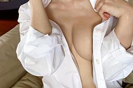 カッターシャツが半分脱げてるエロ画像 part13