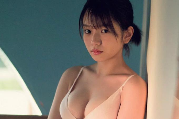 長月翠 ラストアイドルの人気No.1エース…20歳の大人感。