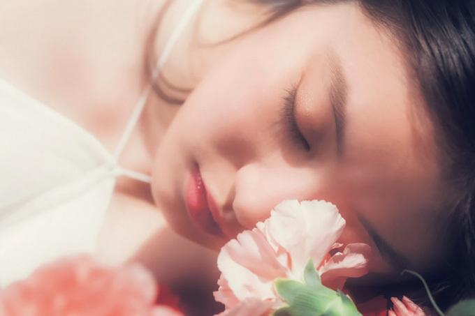 今田美桜 柔らかな光に包まれた幻想的なアートグラビア。