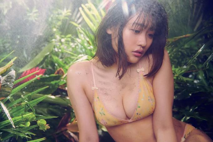 石田桃香 熱帯雨林アマゾンで魅せるワイルドセクシー!