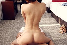 男に跨ってお下品に腰振り…騎乗位セックス画像100枚