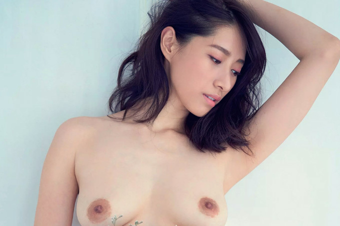 染谷有香 裸とウェディングドレス。