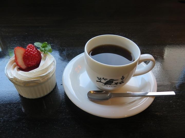 コーヒーとミニデザート