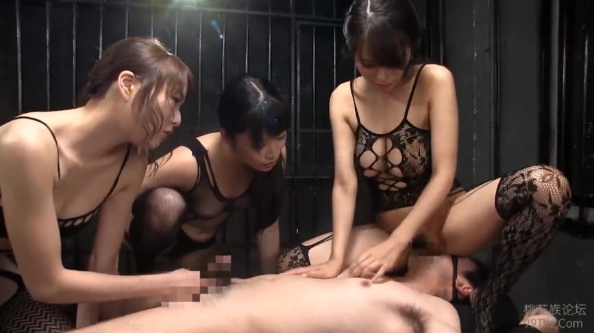 M男 真木今日子・ 春原未来 ・涼川絢音 集団痴女 前立腺責め 顔面騎乗 アナル