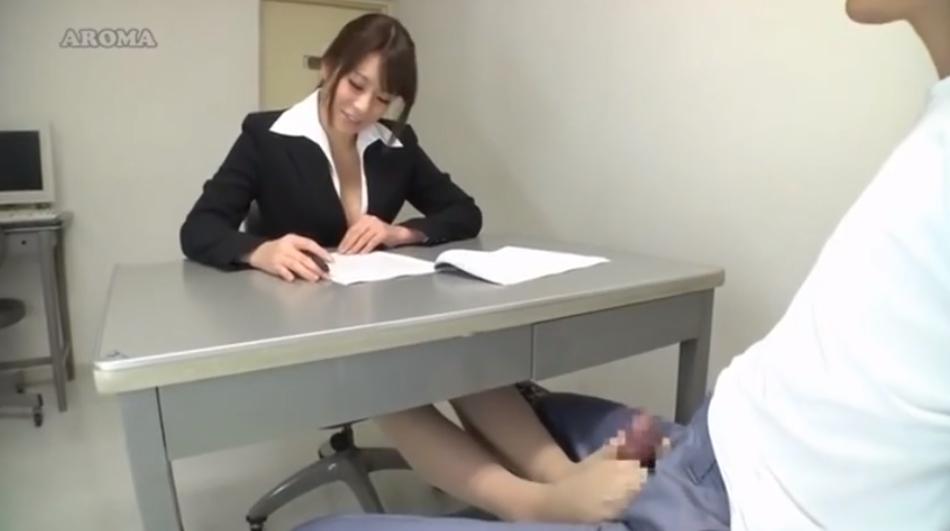 弁護士 足コキ FANZA