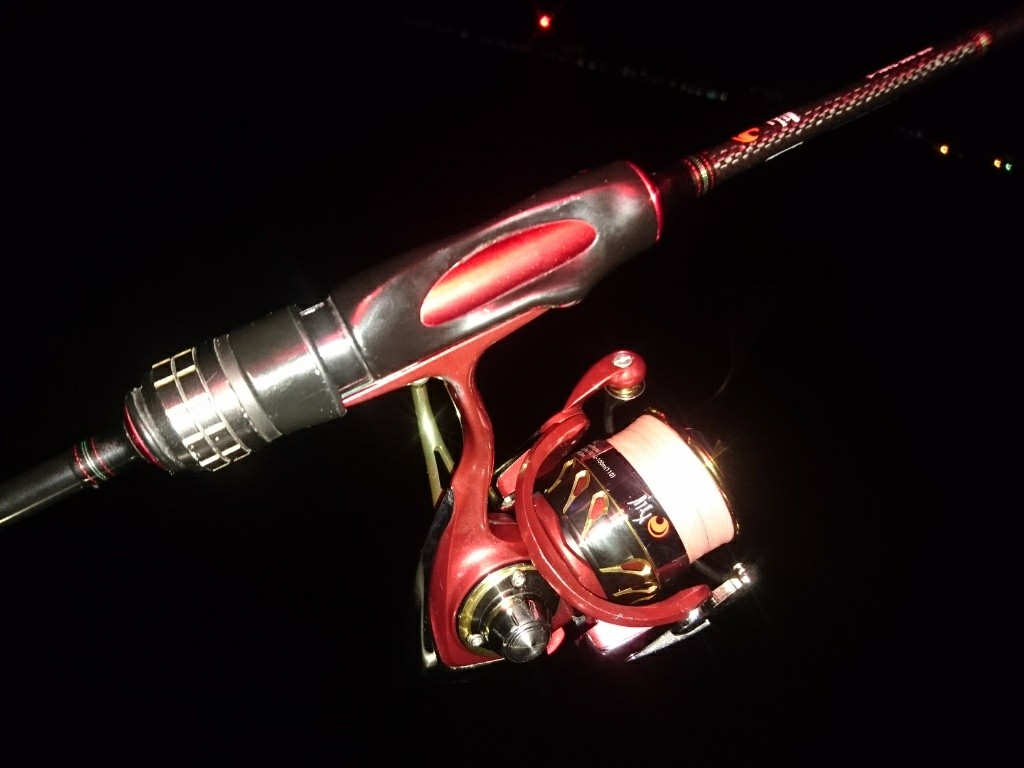 真っ赤なタックルで挑む聖夜の横須賀ライトロック!