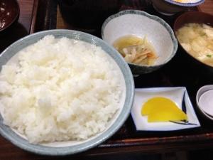 松崎屋食堂ご飯小鉢味噌汁20190720