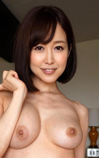 ★ 篠田ゆう 27歳エロ美熟女に見える お椀型乳とデカ尻おっぱいエロ画像100枚+gif