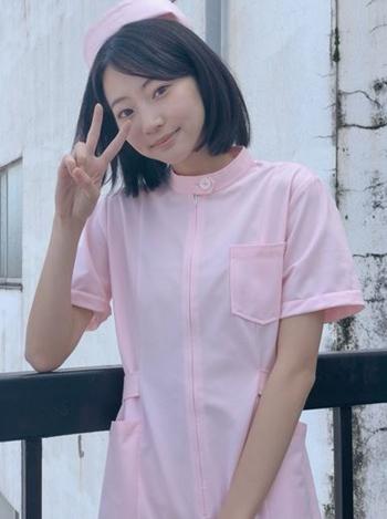 武田玲奈 ミニのナース姿で太もも見せてセクシー過ぎるドラマおっぱい画像