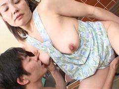 【無修正】相田紀子 禁断の関係 完熟母の裸エプロン