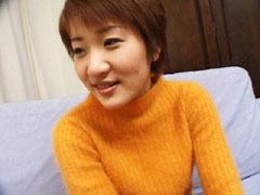 【無修正】Eカップ童顔若妻の淫靡なセックス 綾香