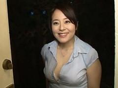 ダイスキ!人妻熟女動画 :嫁が不在中に嫁の姉がやってきて爆乳晒して痴女ってきた! 牧村彩香