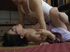 熟女ストレート:佳乃美冬 四十路の巨乳継母と一心不乱に交わる連れ子の義息子