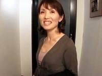 高齢人妻熟女動画 あっふ〜ん:嫁の留守に五十路のお義母さんとひとつ屋根の下で二人きり… 隅田涼子