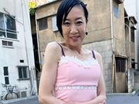 熟女ストレート:スレンダーボディの完熟主婦(60歳)が魅せるハメ撮りセックス!