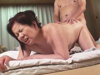 ダイスキ!人妻熟女動画 :五十路の熟年夫婦がフルムーン旅行で回春セックスに燃える 岩崎千鶴