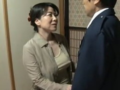 高齢人妻熟女動画 あっふ〜ん : 亭主が働いている間に、郵便屋さんを家に上げてセックスする不埒な熟女妻 大石忍