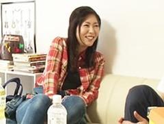 ダイスキ!人妻熟女動画 : 【熟女ナンパ】デニムが似合うスレンダーな奥さんを自宅に連れ込みSEX!