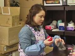 えろある! : 素人(五十路)欲求不満のパートのおばちゃんが若者に中出しされるw