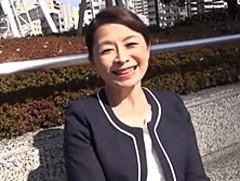 ダイスキ!人妻熟女動画 : 63歳のぽっちゃり六十路マダムが若いセフレとセックスデート! 遠田恵未