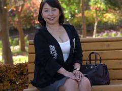 熟女ストレート : 古庄智恵美 ぽっちゃり五十路主婦の初撮りドキュメント!