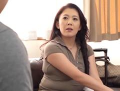 ダイスキ!人妻熟女動画 : 四十路母のむっちむちで巨尻な体に欲情した息子 伊月小百合