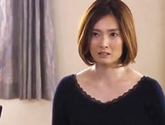 ダイスキ!人妻熟女動画 : 義兄に迫られ、うっとりとベロチューし熱く燃える美熟妻! 本庄優花