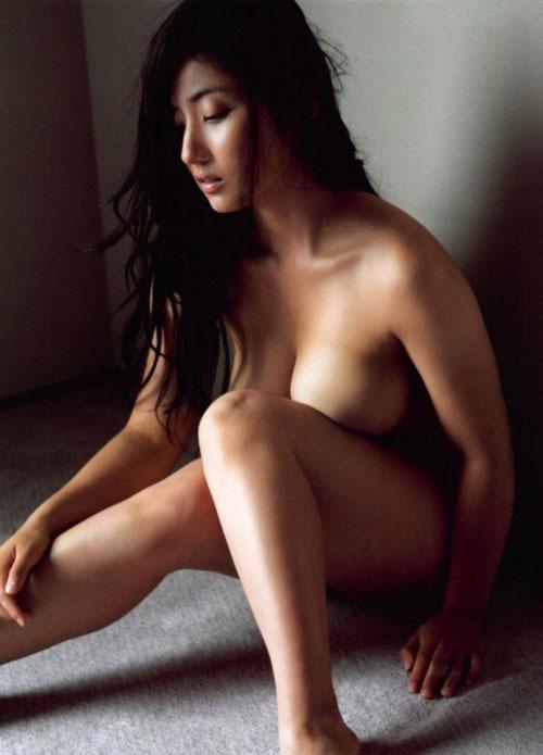 【紗綾(93㎝・Gカップ巨乳)ノーブラおっぱいグラビア】画像・動画