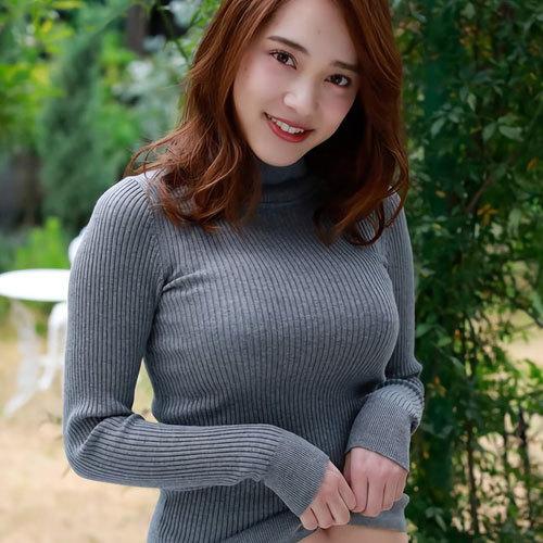 秋らしくセーターやニットを着てる芸術的な着衣巨乳のおっぱいを鑑賞