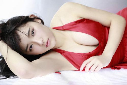 浅川梨奈の1000年に一度の童顔巨乳おっぱい67