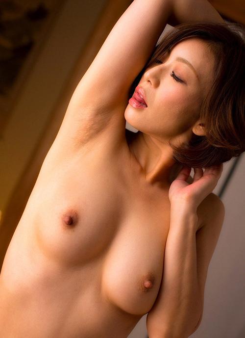 【エロ画像】綺麗なお姉さんの綺麗なおっぱい Vol.41